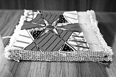 """山东一家纺企业织出""""世界上最厚的布"""""""