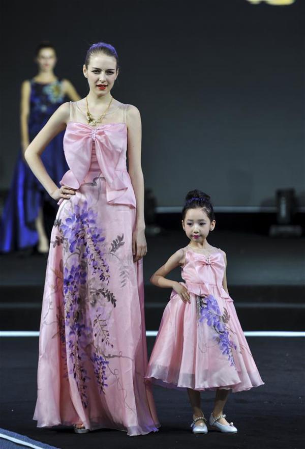 第五届亚欧丝绸之路服装节亚欧时装周启幕