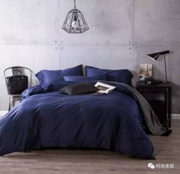 卧室风格看腻了?换套床品就能解决