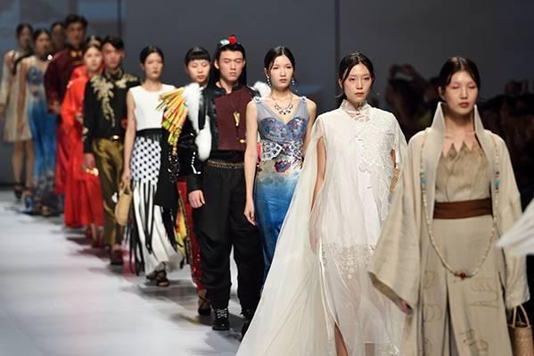 东莞市原创服装设计项目非遗作品发布