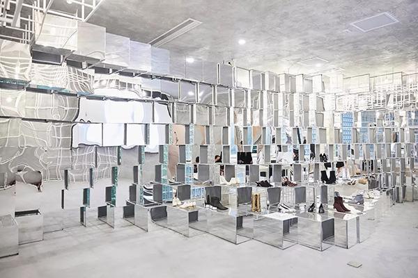 达芙妮市值缩水近百亿,女鞋行业未来复苏可期