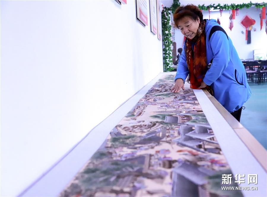 石家庄:刺绣艺人绣出8米长《清明上河图》