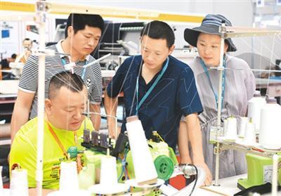 台湾拼缝机亮相义乌纺博会