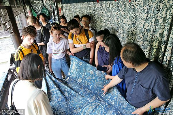 江苏南通:中英服装创意设计创作营成员感悟非遗