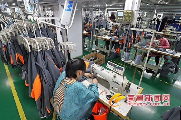 青山湖高新技术产业园区形成较完整针纺服装产业链