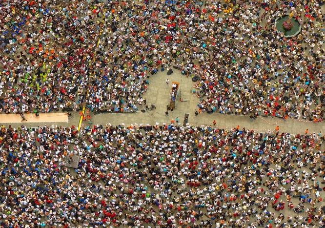 柬埔寨数百名工人罢工无果后,出杀手锏:辞职!