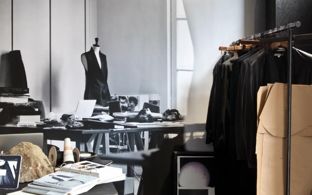 逾六成企业净利下滑 服装业本土品牌艰难寻路