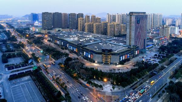 年终看发展︱御寒过冬 亚洲最大轻纺城商户各显神通