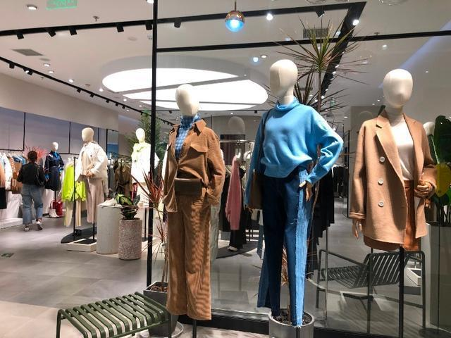 """市场缓慢回暖 服装行业离""""春天""""还有多远"""