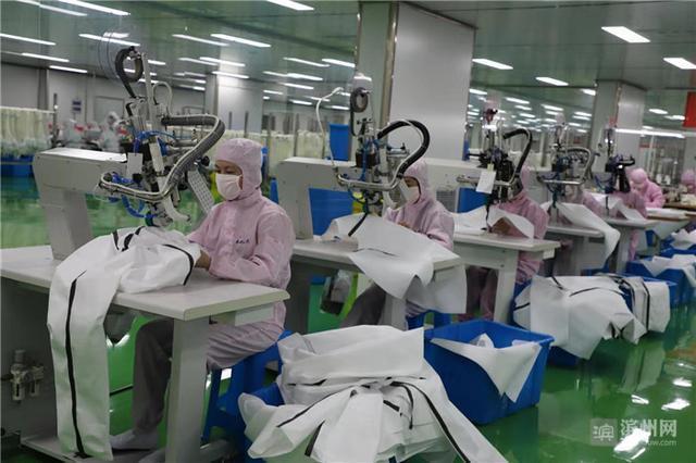 縫制生產線緊急改為防護服、口罩生產線!愉悅家紡開足馬力24小時生產
