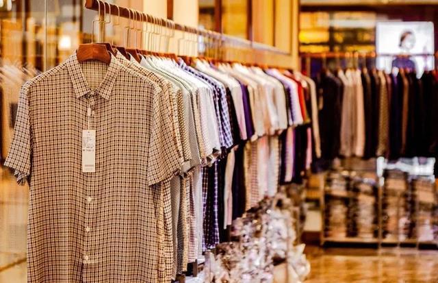 中国服装第一街停工1个月:春装积压、夏装缺货,档口月亏300万