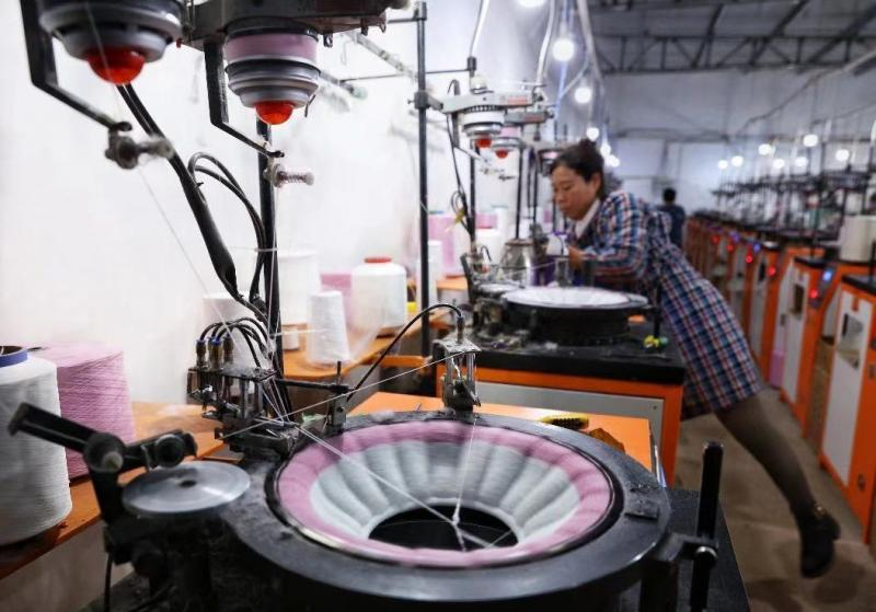 """给马桶垫加一个""""提手""""成爆款,拼多多助力家纺产业反向定制"""